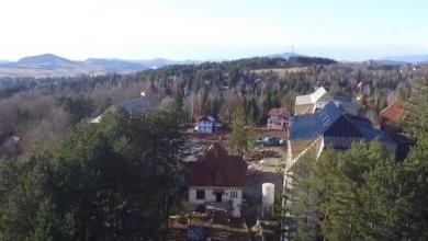 Photo of STRASNO!Ruse Titovu vilu na Zlatiboru.